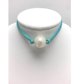 Freshwater Pearl Choker on Turquoise Suede