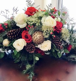 Floral: Christmas Arrangement Table Centerpiece