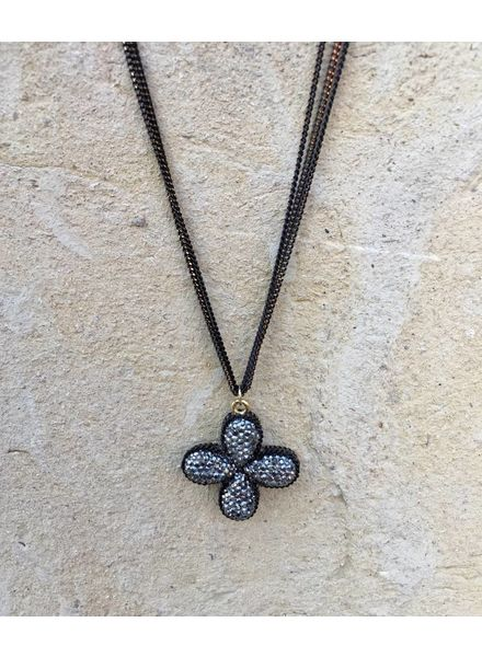 THEIA CLOVER SHORT NECKLACE