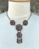 NATIVE AMERICAN JEWERLY / OLD PAWN @ ORISONS ZUNI PUEBLO CLUSTER CORAL NECKLACE