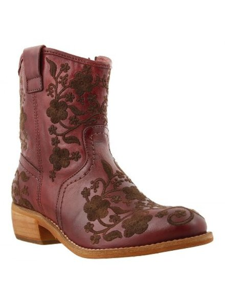 TAOS PRIVILEGE BOOT BY TAOS IN SPICE RED