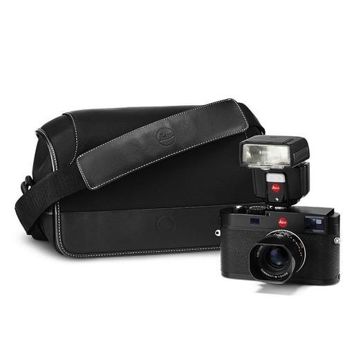 Leica M (Typ 262), 35mm f/2.4 (black), SF40 Flash, System Case (Medium)
