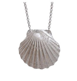 Strut Jewelry Strut-Scallop Shell Necklace