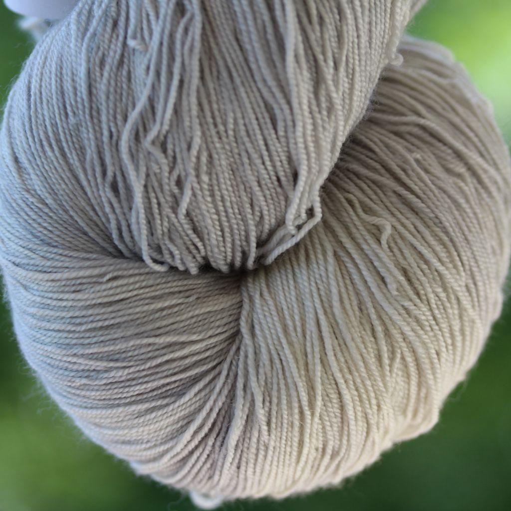 Black Trillium Fibres Silken Lace, Silverlight