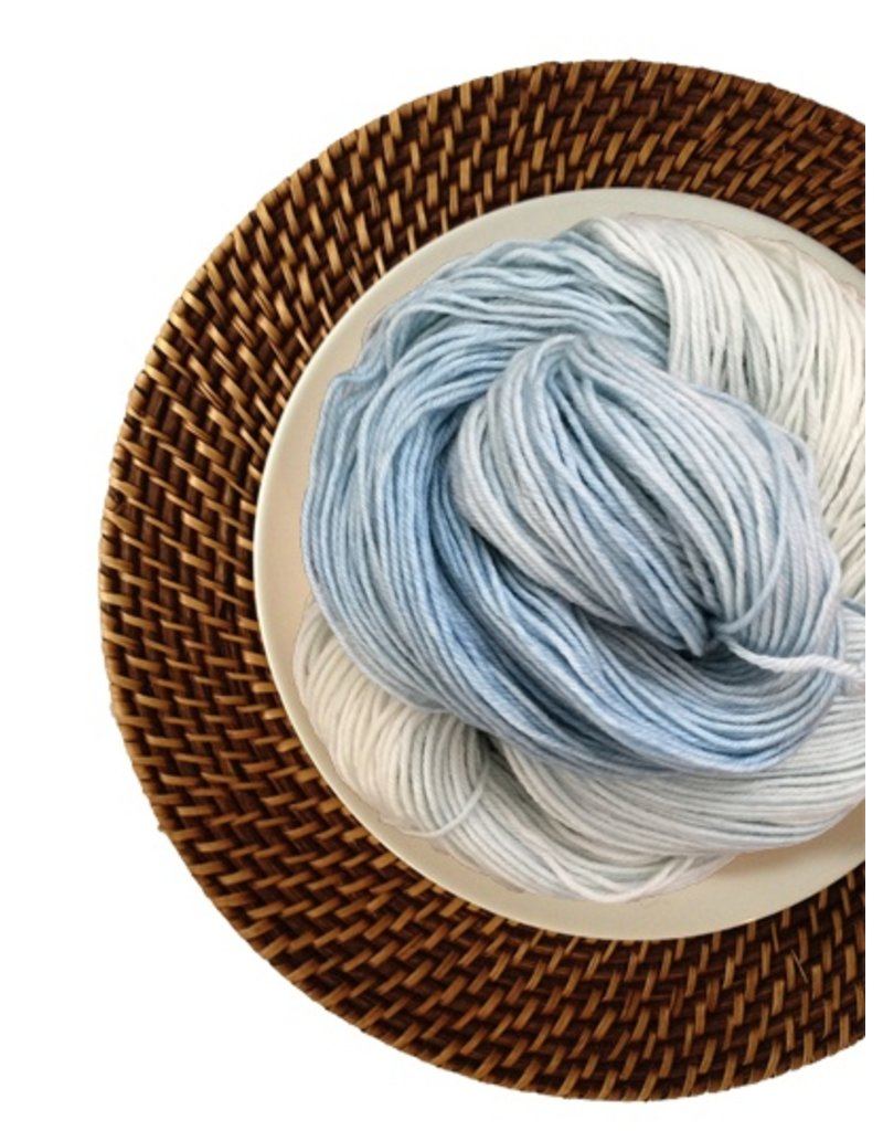 Delicious Yarns Frosting Fingering, Frosty