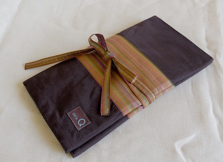 della Q DPN and Circular Case, Brown