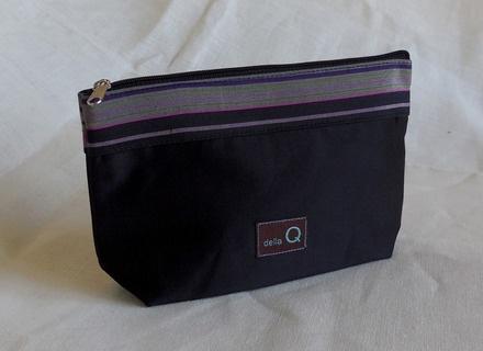 della Q Zip Pouch - Small, Black Stripe