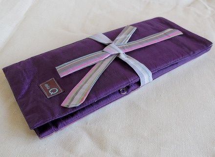 della Q Tri-Fold Circular Case, Purple