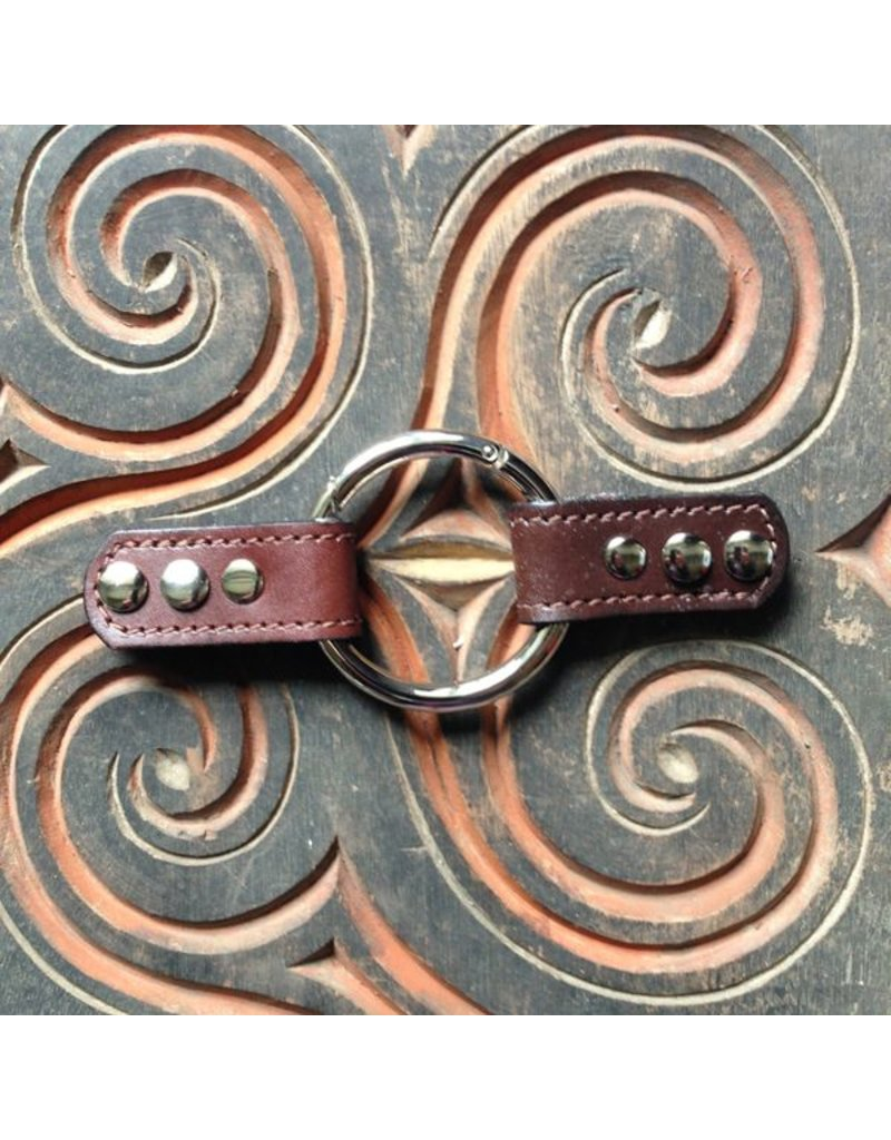 Closure Lisbon Leather Ring - Chocolate Brown
