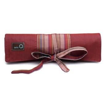 della Q Crochet Hook Roll, Red