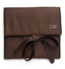 della Q The Que Circular Needle Case - Theo, Brown