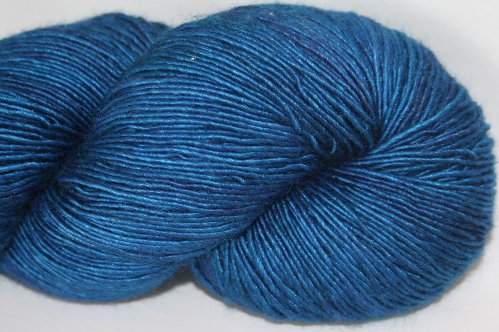 Alpha B Yarns Single Silk B, Sink Back Into the Ocean