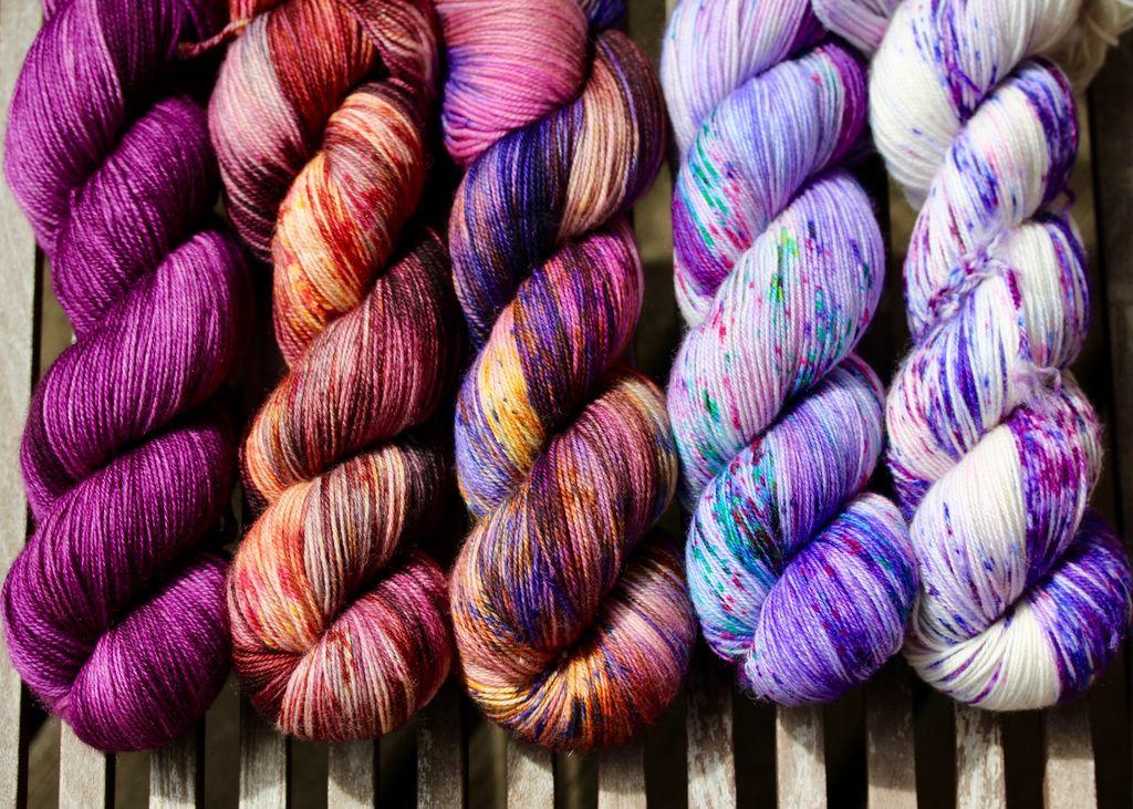 For Yarn's Sake, LLC Fading Point Wrap Kit, Velvet Port Beauty (Jilly)