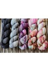 For Yarn's Sake, LLC Fading Point Wrap Kit, Black Pearl Tabby (Jilly)