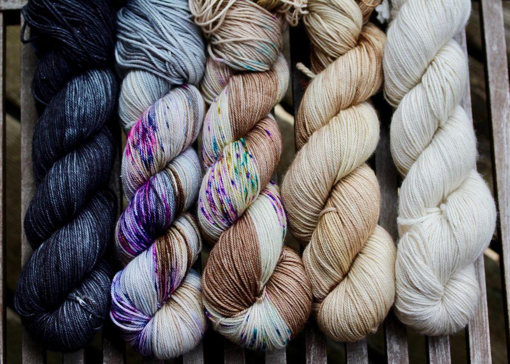 For Yarn's Sake, LLC Fading Point Wrap Kit, Black Pearl Mesa (Smooshy)