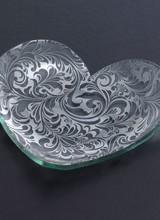 Annie Glass Heart Plate