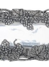 Arthur Court Designs Accentuate your next gourmet meal with this Grape Open Vine Rectangle Tray from Arthur Court. <br /> <br /> Intertwined vines weave unpredictably around the outisde of this dish, while bundles of grapes and leaves rest on either corner of the square. The busy exterio