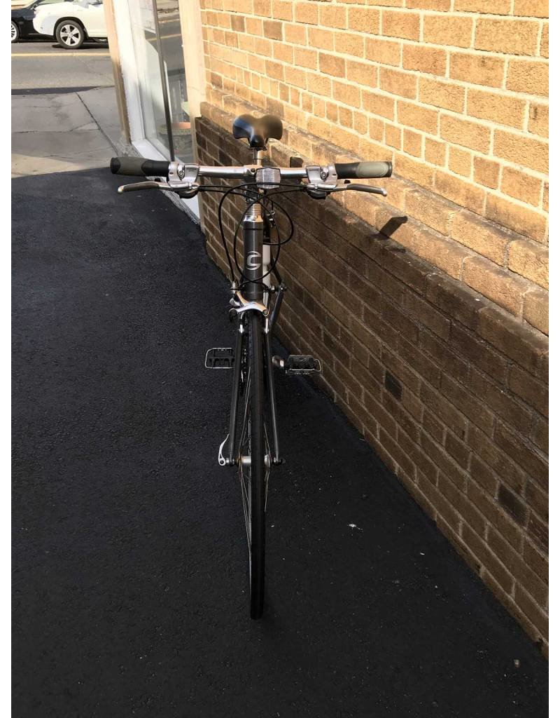 Cannondale 500 Hybrid Sport Bicycle