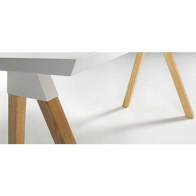 Ahrend dining white