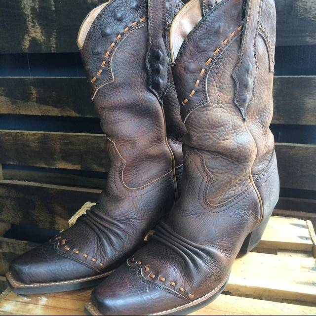 Ariat Dixie Boot size 6
