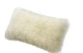 "Auskin SHEEPSKIN 11 X 22"" CUSHION IN IVORY"