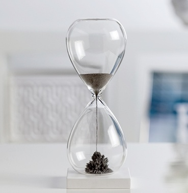 Torre & Tagus Magnetic Sand 60 Second Hourglass - Tall