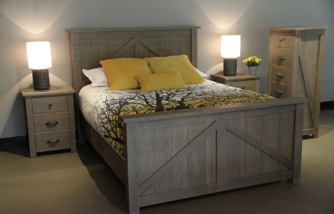Woodworks Farmhouse 5 drawer dresser