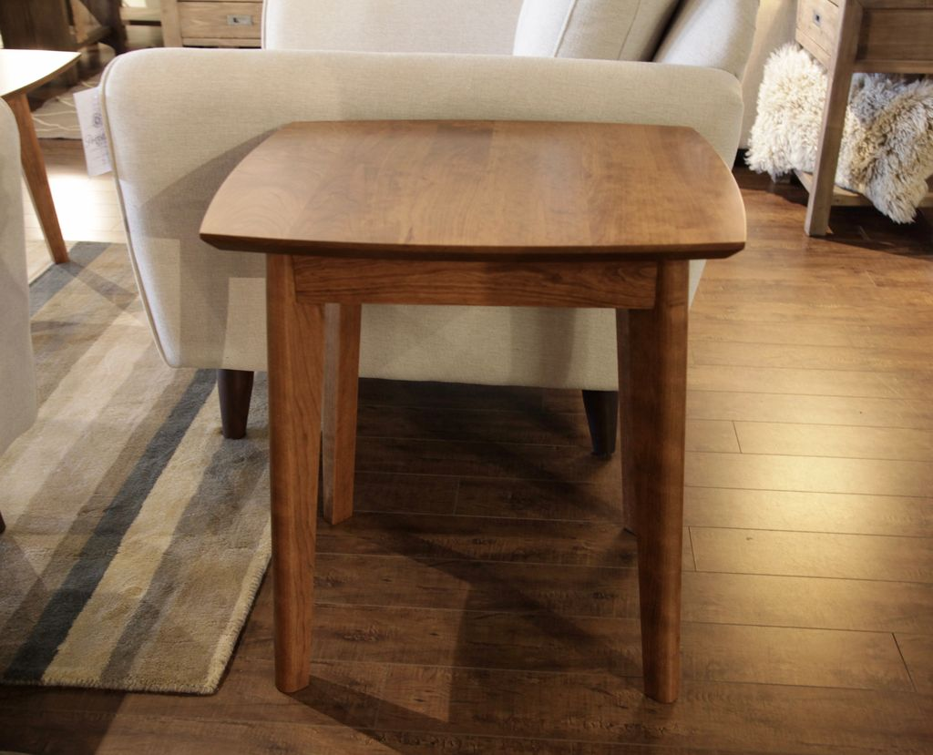Woodworks Amelia End table