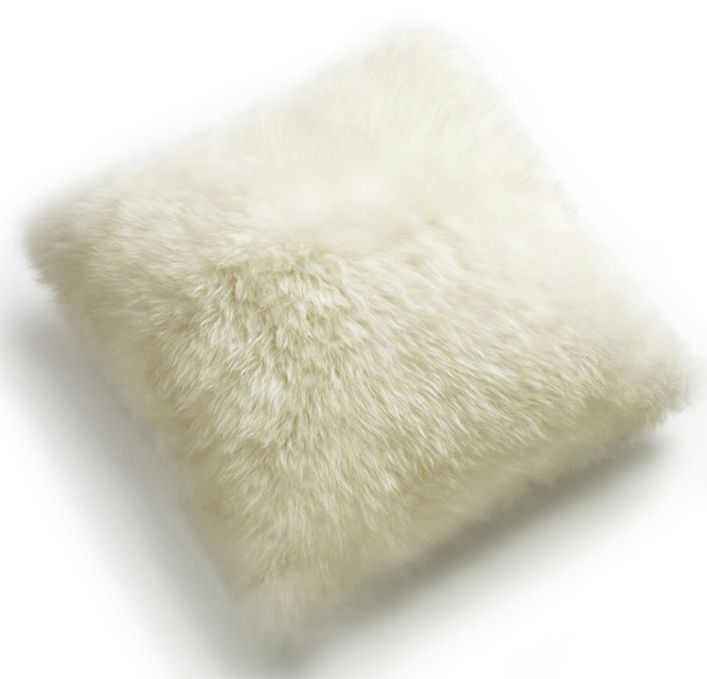 "Auskin SHEEPSKIN 20"" CUSHION IN IVORY"