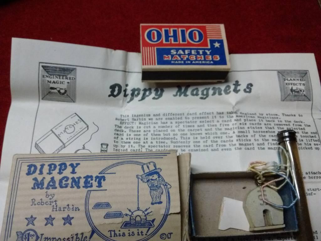 Dippy Magnet by Robert Harbin