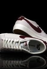 Nike Nike SB Blazer Low SUMMIT-WHITE/DARK TEAM RED