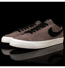 Nike Nike SB Blazer Low Gunsmoke Black