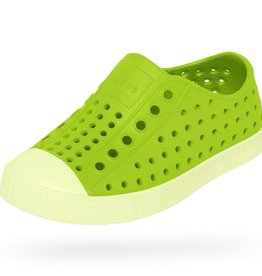 kid native jefferson glow shoes, chartreuse green