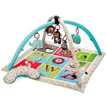 playtime z Skip Hop alphabet activity gym