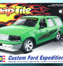 Revell Monogram (RMX) 1/25 Snap Tite Custom Ford Expedition