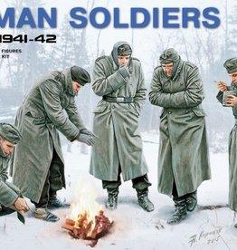 MiniArt (MNA) 1/35 GERMAN SOLDIERS /WINTER 1941
