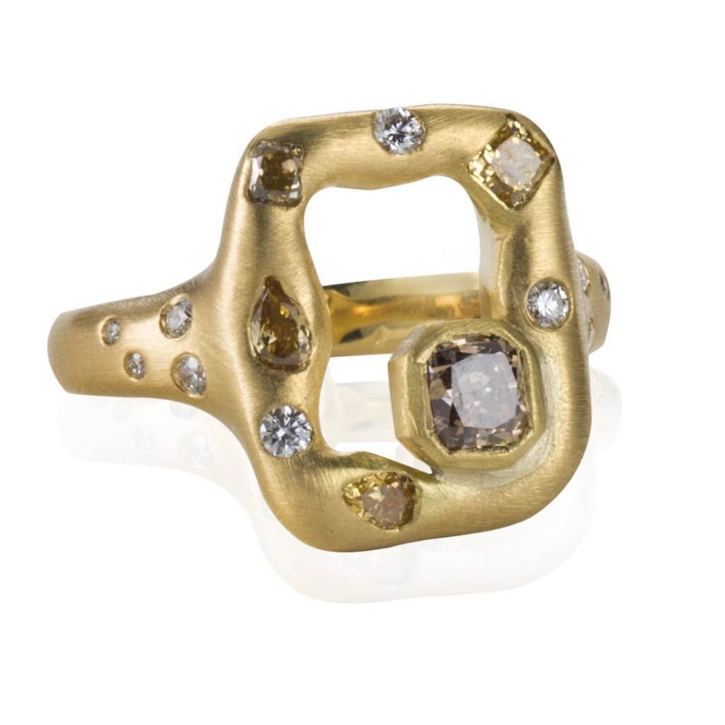 Lisa Des Camps Emeraude Ring with Diamonds