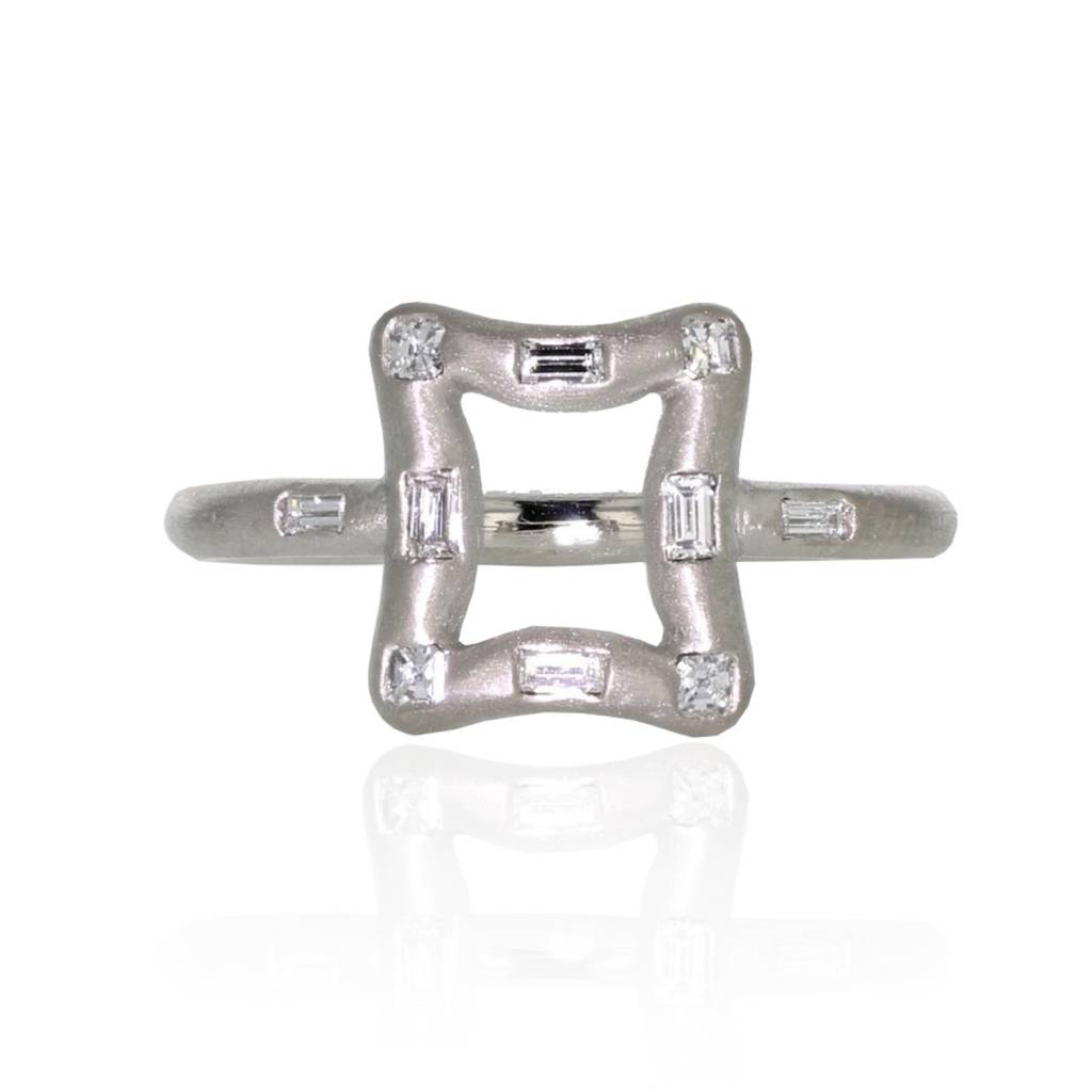 Lisa Des Camps Miroir Ring with Diamonds
