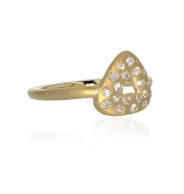 Lisa Des Camps Trio Ring