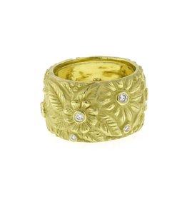 Diana Heimann Wide Flower Ring Yellow Gold
