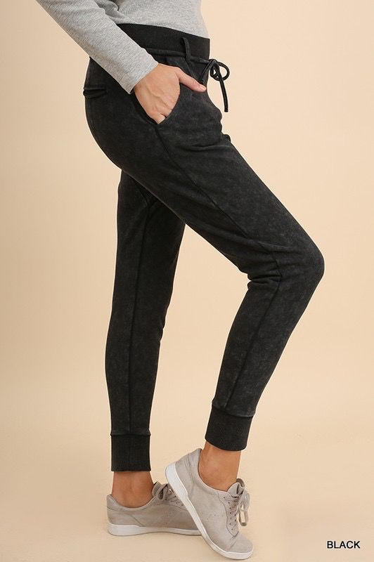Ualusi Pants