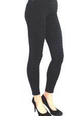 Tari Jeans