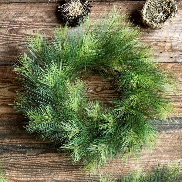 "24"" D. Greenhills Pine Wreath"