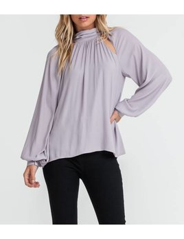 Double Keyhole Top 13248