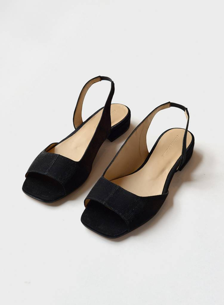 About Arianne AA Planes Sandal Black