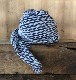 Hemingway scarf