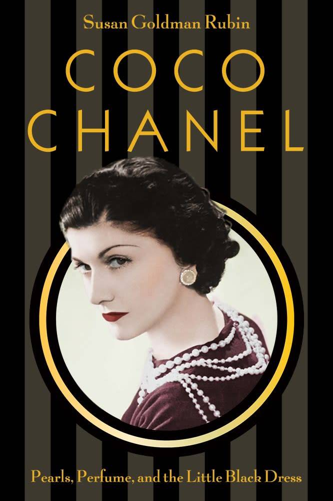 Abrams Books for Young Readers Coco Chanel: Pearls, Perfume, and the Little Black Dress