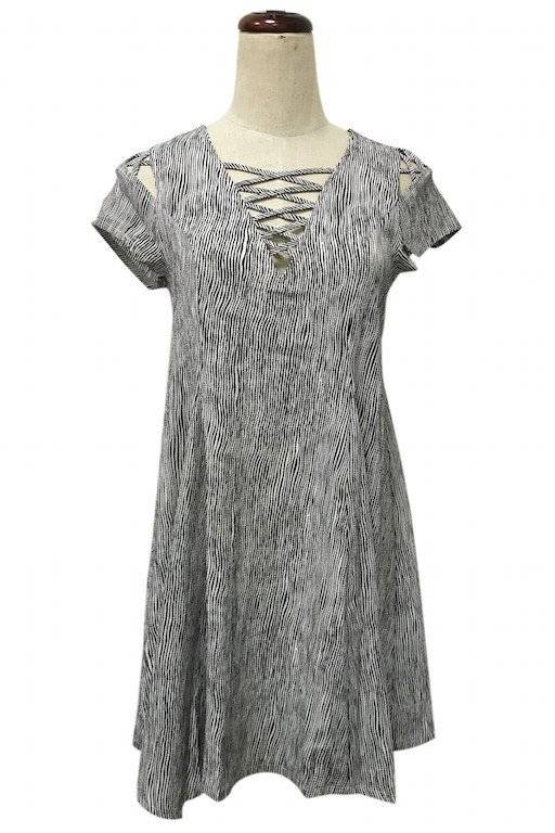 Young Essence S/S CrisCross Front Dress