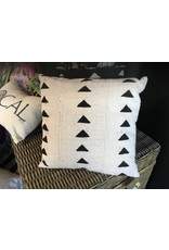 Mimi Designs Mudcloth B/W Triangles Pillows (16X16)