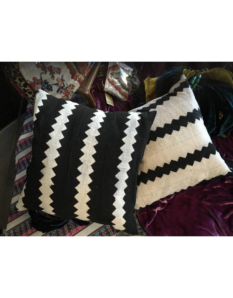 Mimi Designs Mudcloth B/W ZigZag Pillows (18X18)